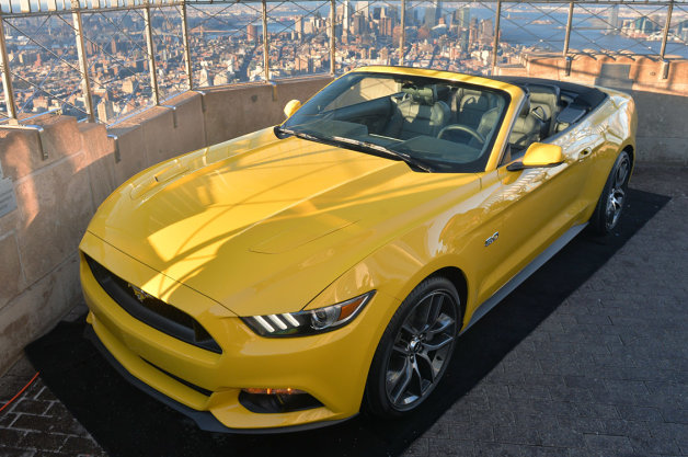 01-2015-mustang-empire-state-building-1